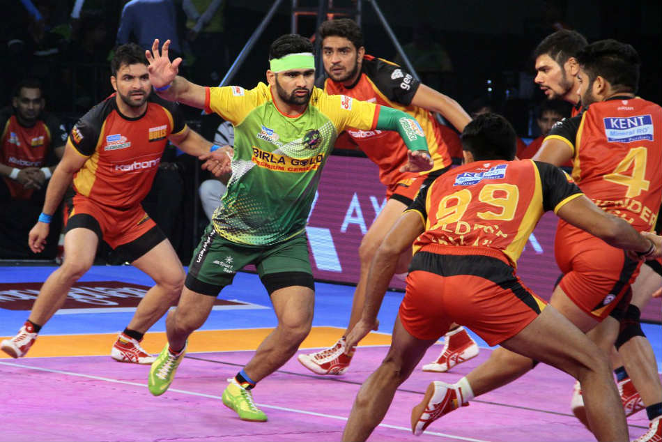 Pkl 2017 Pardeep Narwal Stars Patna Pirates Win Over Bengaluru Bulls