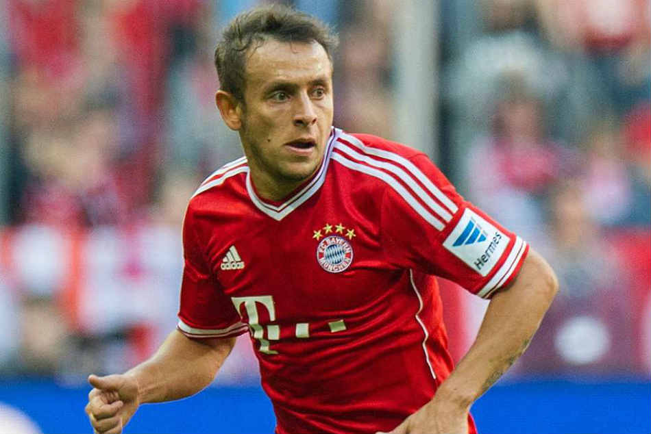 Rafinha Confirms Rejecting Offers From Epl