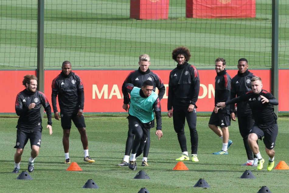 Chelsea Man Utd Monitor England Under 21 International