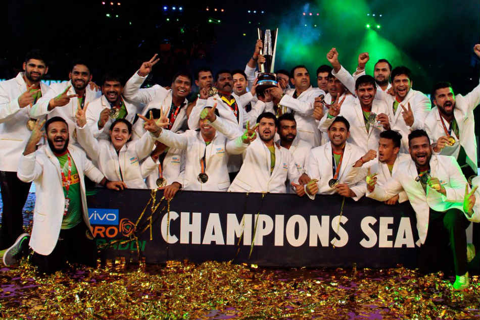 Pro Kabaddi League 2017 Patna Pirates Make Hat Trick Titles Beat Gujarat Fortunegiants