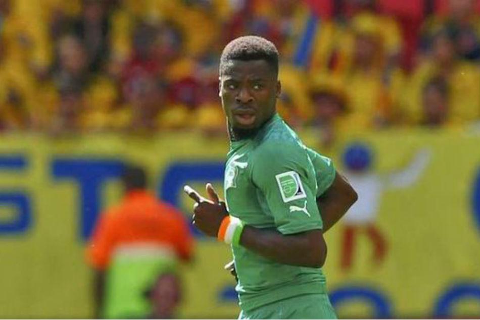 Drogba Toure Advise Tottenham S Aurier Be More Mature