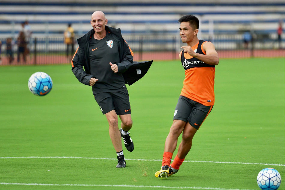 Sunil Chhetri during a training session with coach Stephen Constantine.