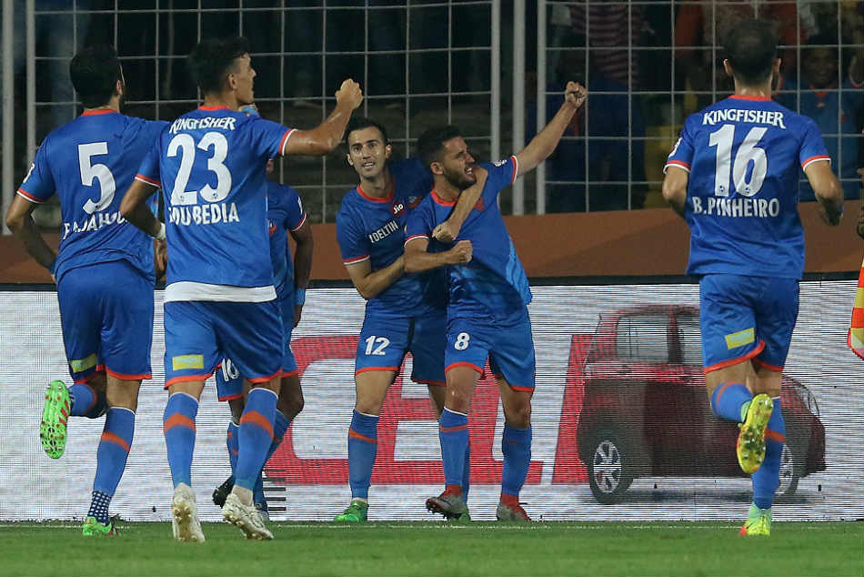 FC Goa's Corominas celebrates with teammates after scoring against Bengaluru FC in Margao on Thursday (Image courtesy: ISL Media)