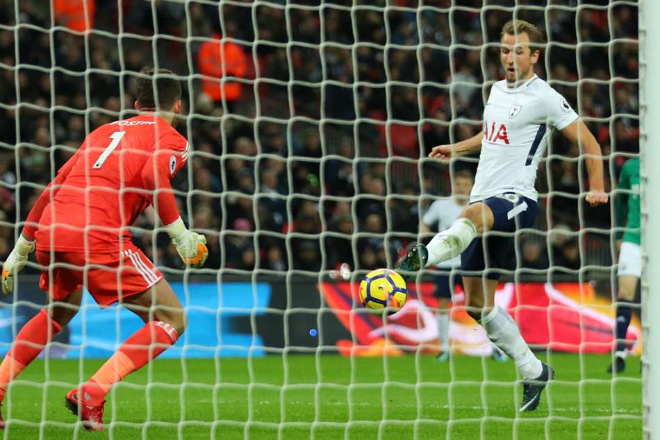 Tottenham 1 West Brom 1 Kane Grabs A Point As Spurs Lose More Ground
