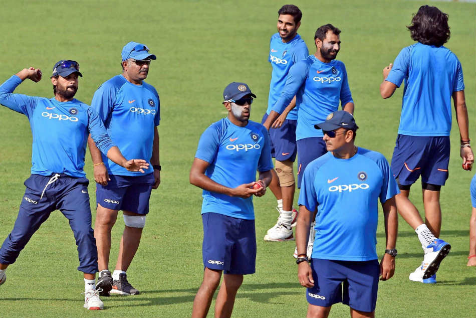 India Vs Sri Lanka, 1st Test: Virat Kohli likely to field 3 pacers keeping SA tour in mind