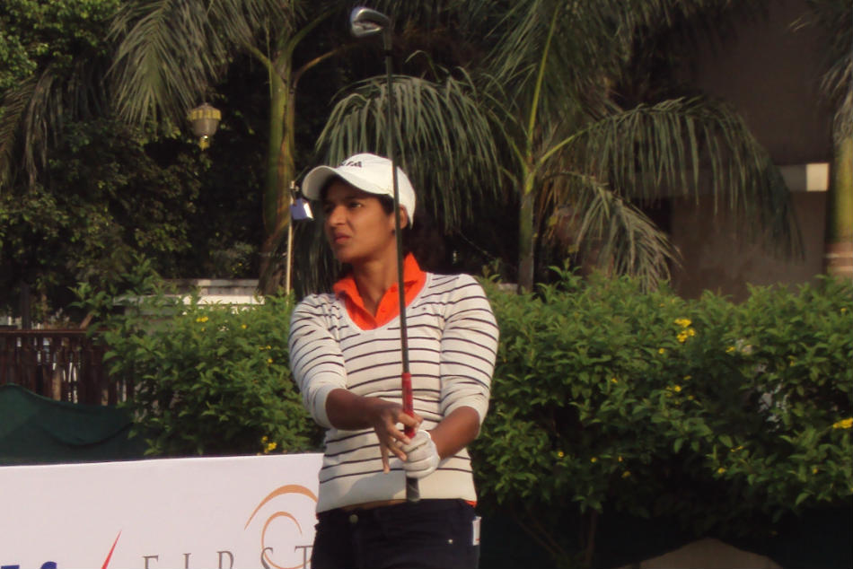 Neha Grabs Handy 3 Shot Lead On Opening Day