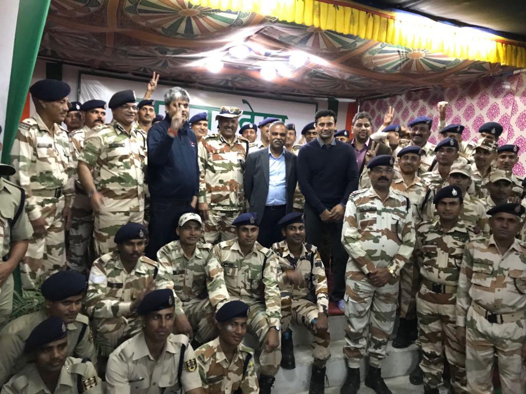 Wrestler Sangram Singh Meets Itbp Jawans Salutes Them