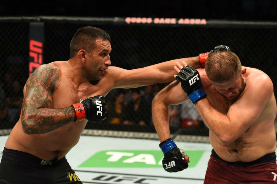 Ufc Fight Night 121 Results Werdum Delivers Long Night At Sydney