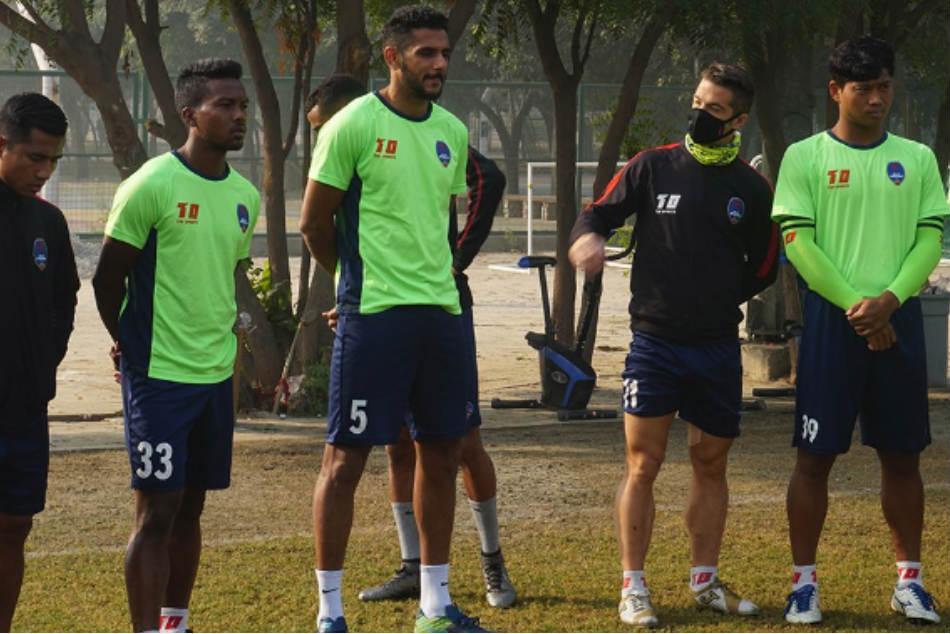 Masks Come On As Delhi Dynamos Host Jamshedpur Fc