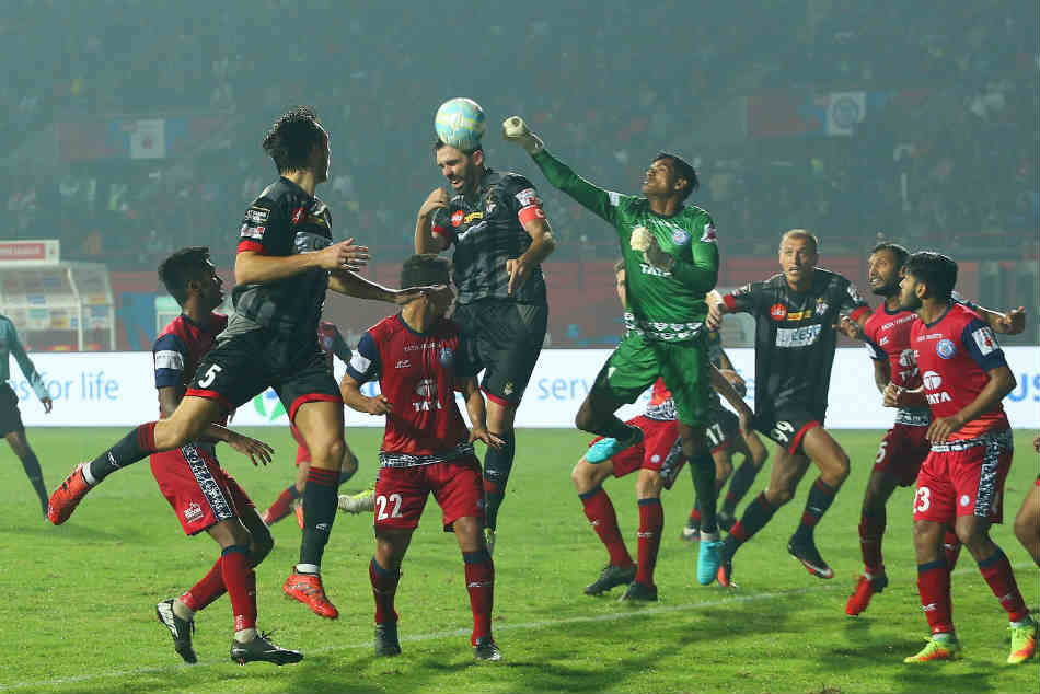 Action from the ISL match between ATK and Jamshedpur