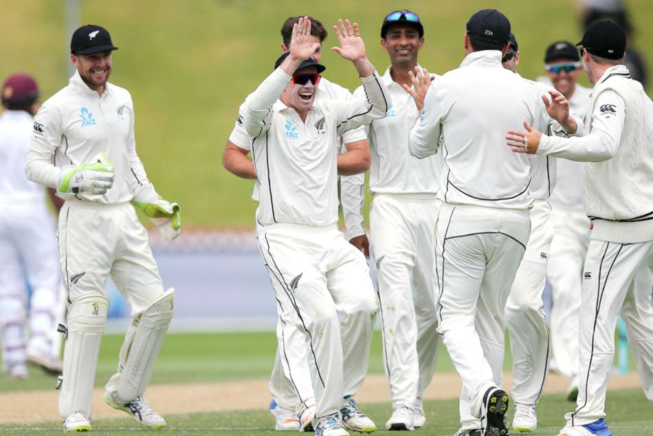Kiwis celebrate crushing victory