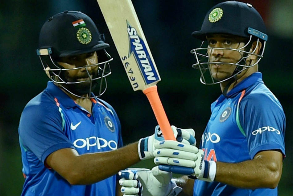 Rohit Sharma throws weight behind MS Dhoni, rejects keeper-batsman's critics