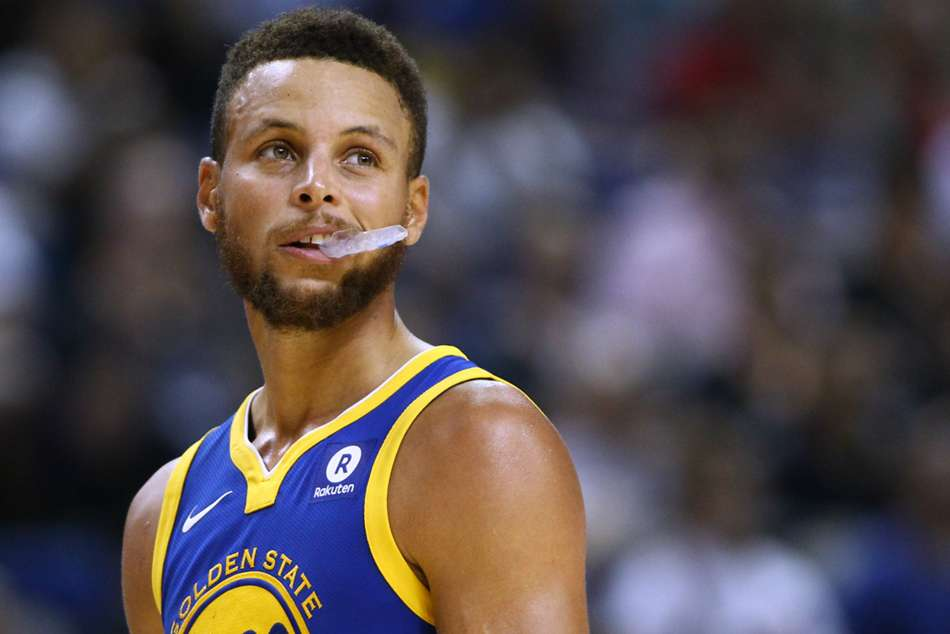 Warriors star Stephen Curry suffers ankle injury