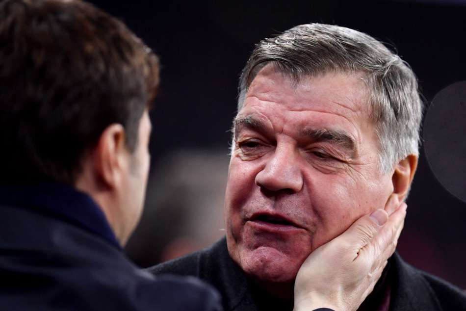 Everton boss Sam Allardyce (right) furious with his side's display against Tottenham