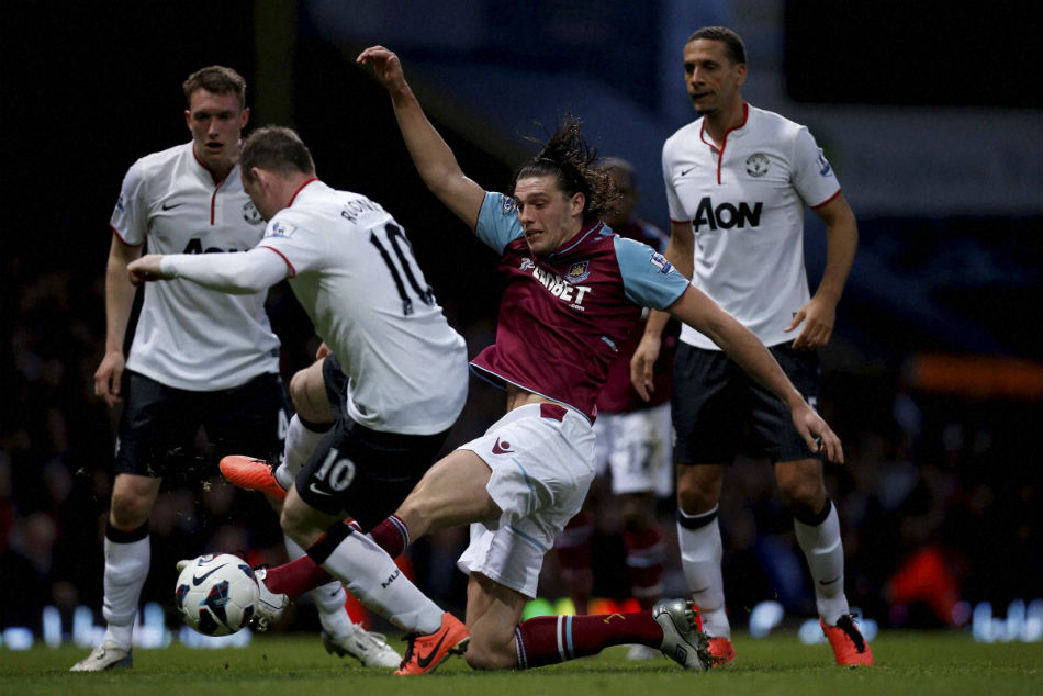 Chelsea Keen On Signing Former Liverpool Flop Carroll