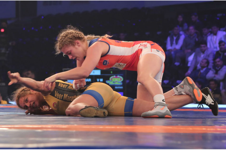 Helen Maroulis of Haryana Hammers dominates Marwa Amri of Veer Marathas during their PWL bout on Wednesday