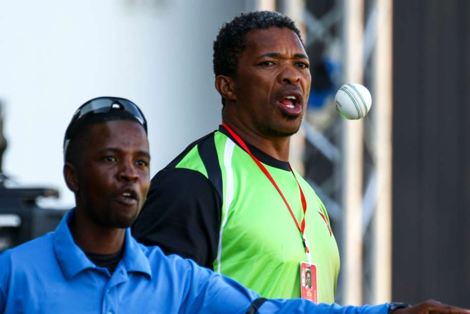 Makhaya Ntini resigns as Zimbabwe bowling coach