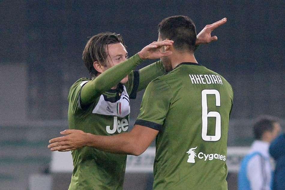 Juventus Khedira Higuain Punish Ill Disciplined Chievo