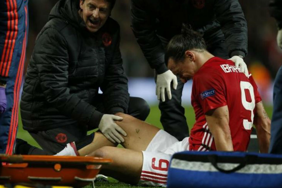 Zlatan Ibrahimovic receives treatment in April 2017