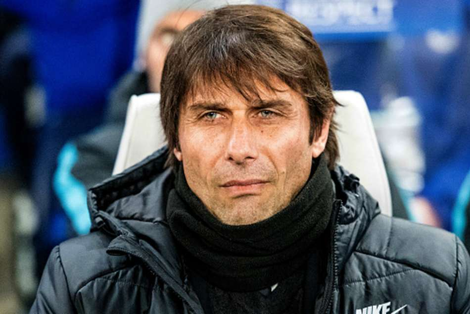 Conte Wants See Chelsea Contract But Has Bags Packed