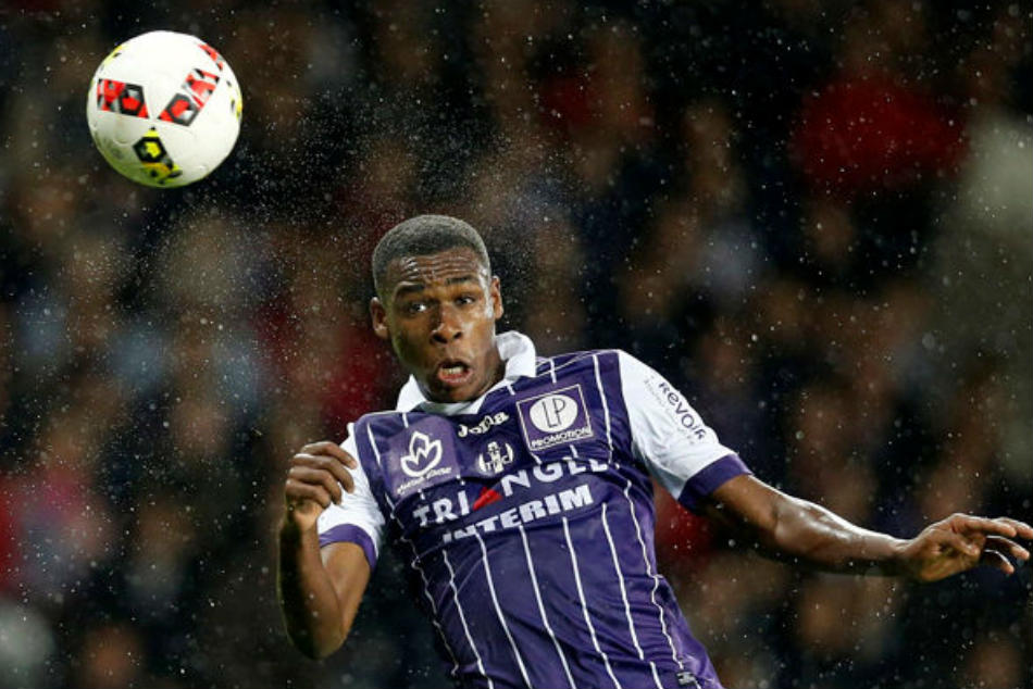 Arsenal Face Competition Pursuit Issa Diop
