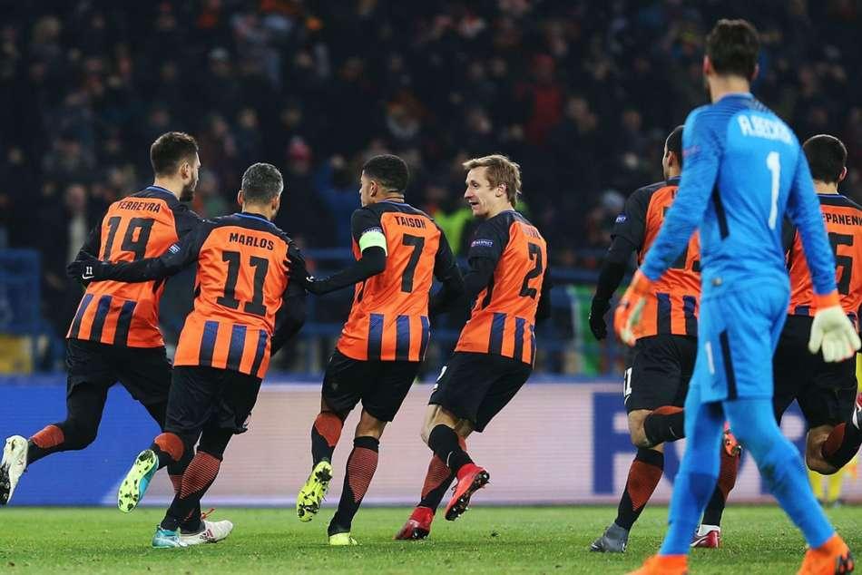Shakhtar Donetsk 2 Roma 1 Fred Stunner Seals First Leg Comeback