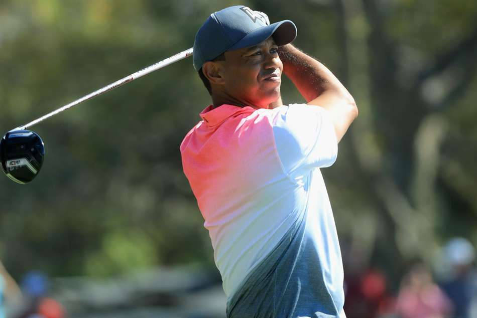 Tiger Stumbles As Stenson And Dechambeau Move Clear