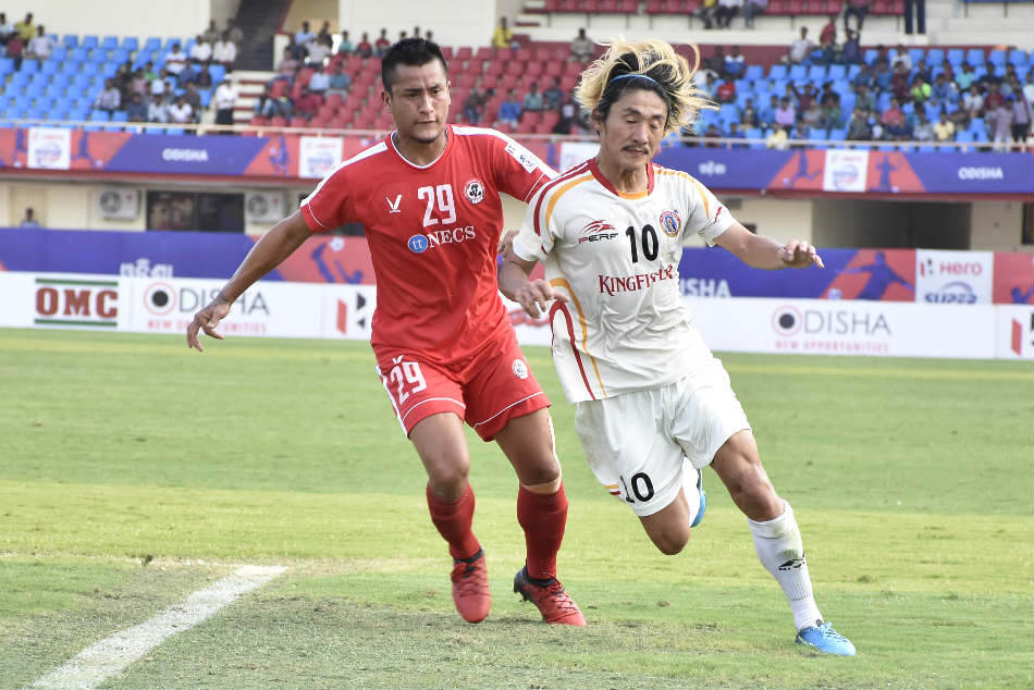 Katsumi Yusa of East Bengal (right) vies for possession with C Lalrosanga of Aizawl FC during their Super Cup match at the Kalinga Stadium in Bhubaneswar on Sunday (Image: AIFF Media)