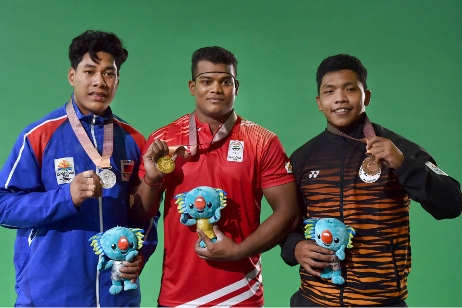 Cwg 2018 Weightlifters Sathish Venkat Rahul Light Up Day