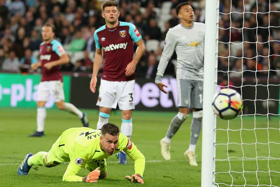 Manchester United could not find a way to beat West Ham goalkeeper Adrian