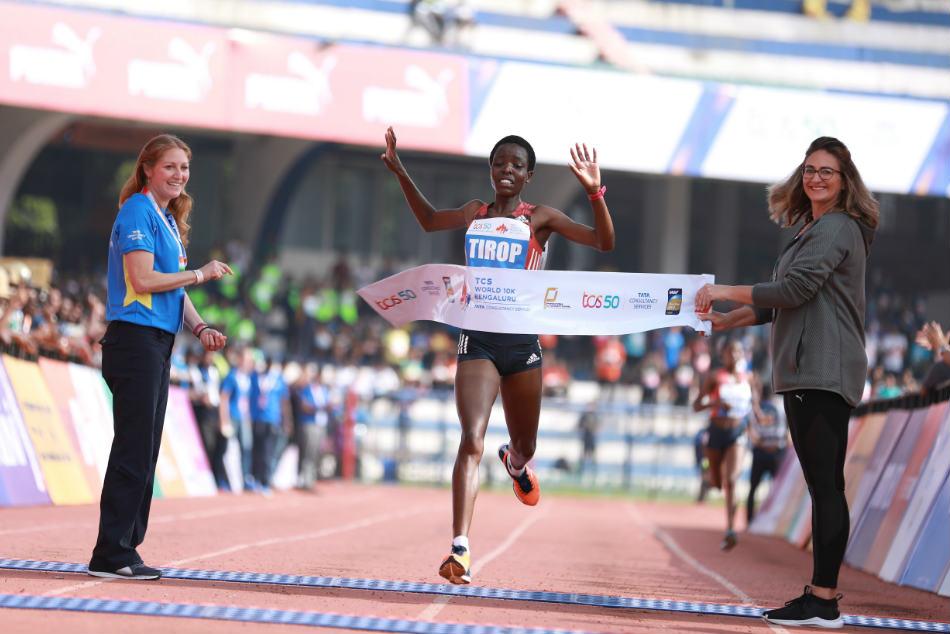 Tcs World 10k 2018 Geoffrey Kamworor Agnes Tirop Win Sanjivani Jadhav Record