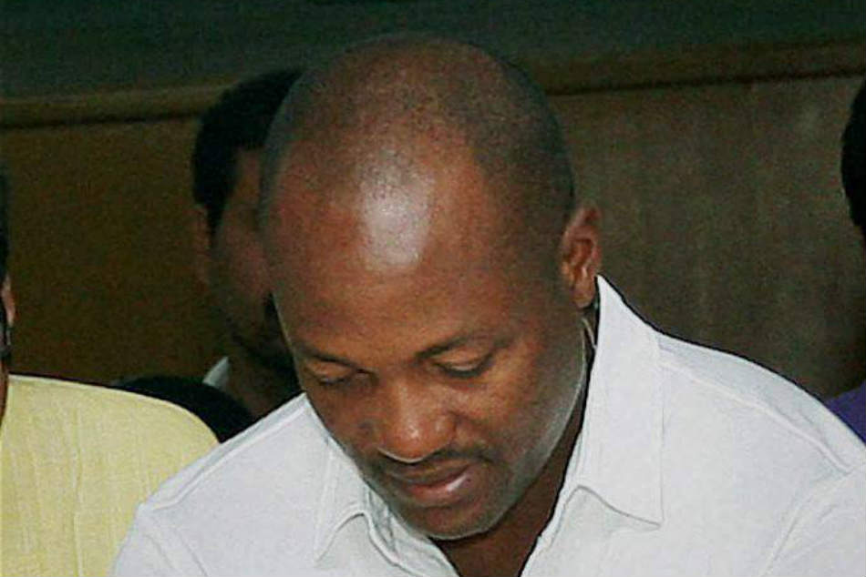 Brian Lara placed himself in the top bracket in IPL auction 2011 but teams showed no interest in him