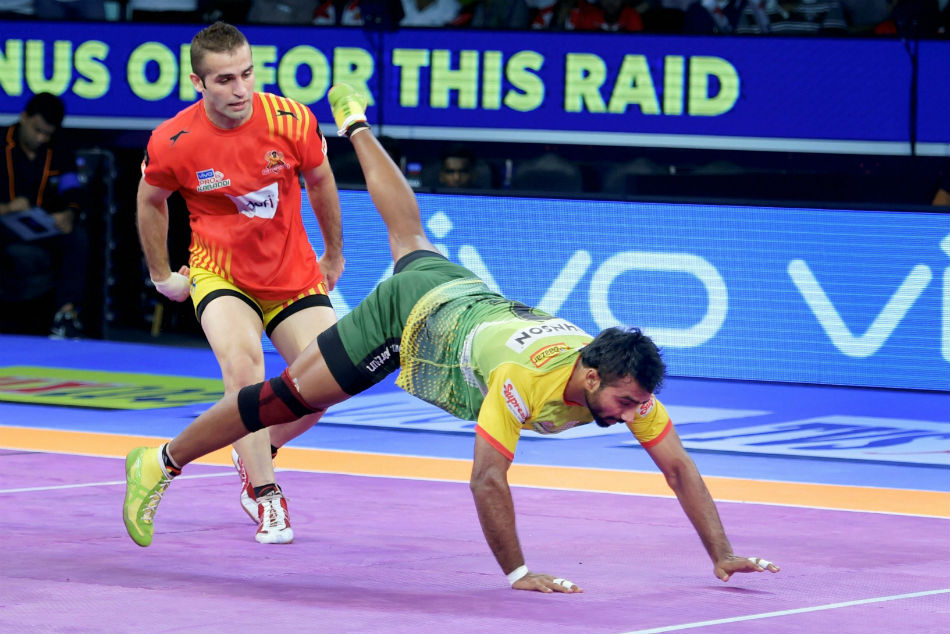 Pro Kabaddi League 2018 Auction Iran S Fazel Atrachali Becomes First Ever Player To 1 Crore Club
