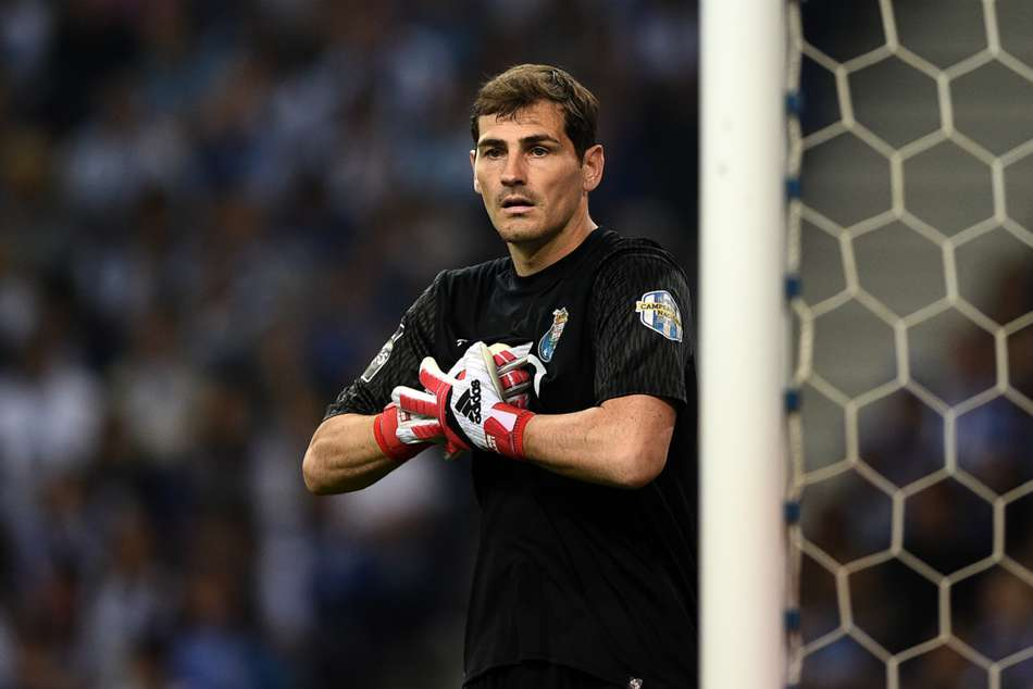 Casillas Re Signs With Portuguese Champions Porto