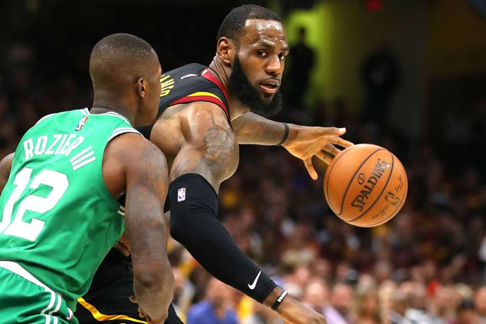 Lebron Scores 44 Points As Cavs Level Series Against Celtics