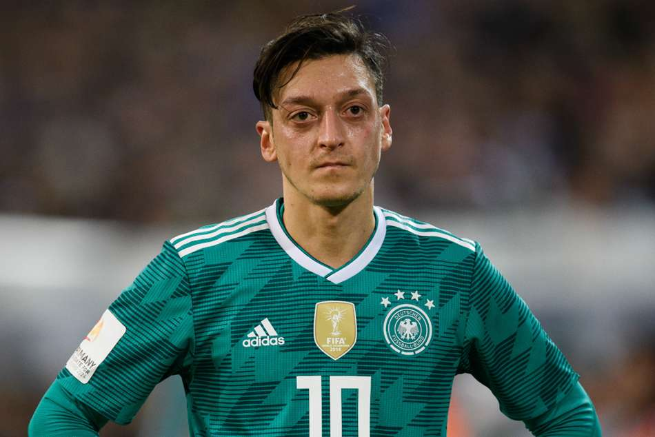 Mesut Ozil Ilkay Gundogan Criticised Dfb Recep Tayyip Erdogan Meeting