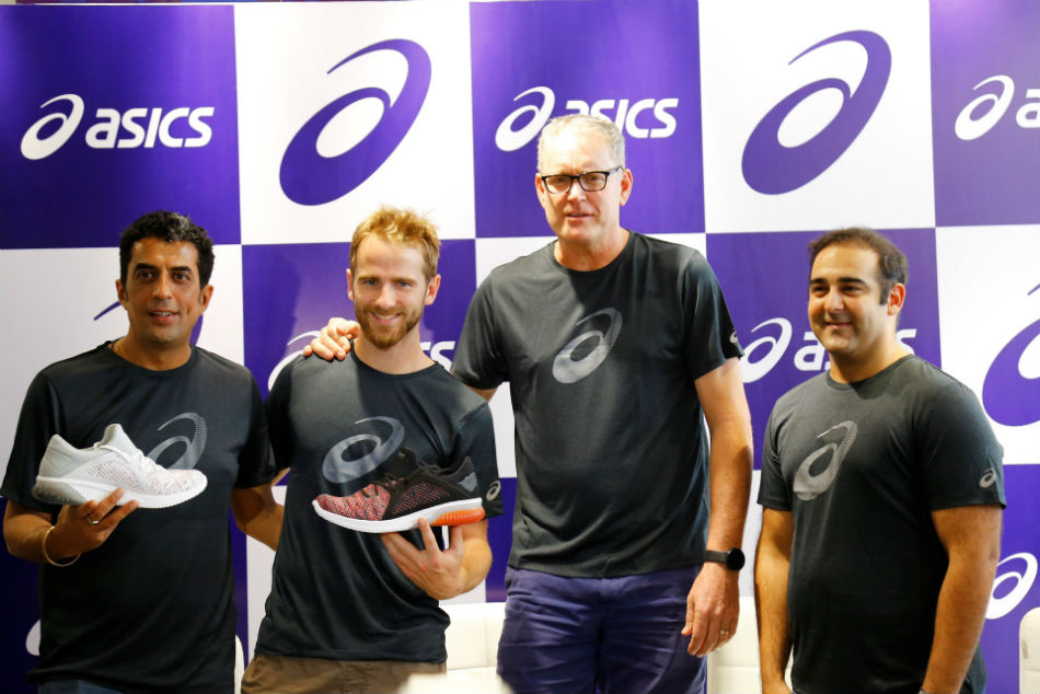 Ipl 2018 Kane Williamson Tom Moody Meet Sunrisers Hyderabad Fans Asics Hyderabad Store