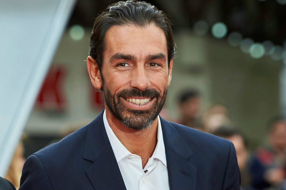 Former Arsenal legend Robert Pires believes Patrick Vieira is best suited to take up Arsene Wengers job