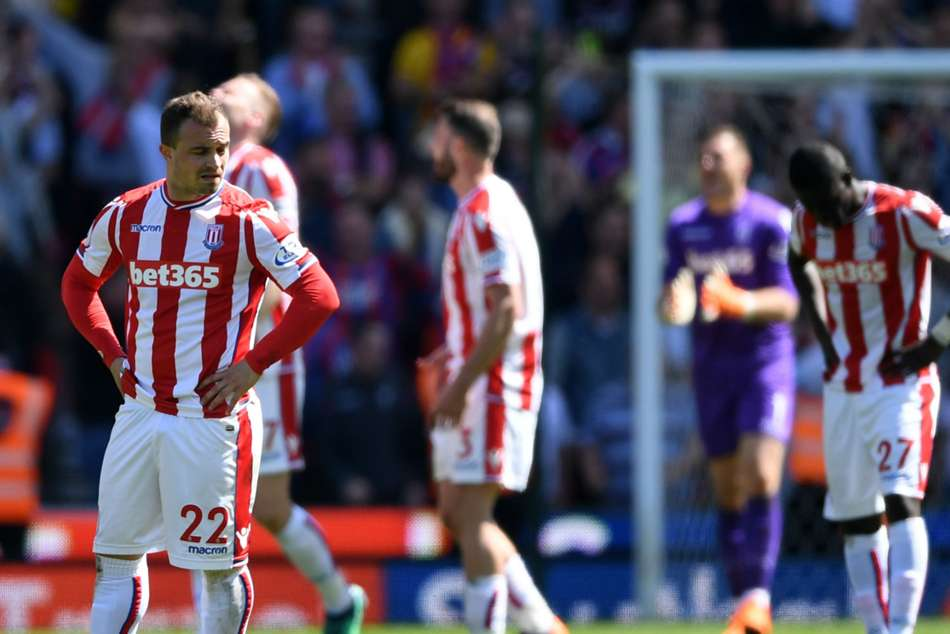 Stoke keeper Butland: Players behind Lambert