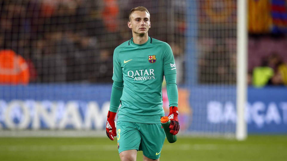 Jasper Cillessen Could Be Pl Bound As Chelsea Arsenal Liverpool Come Calling