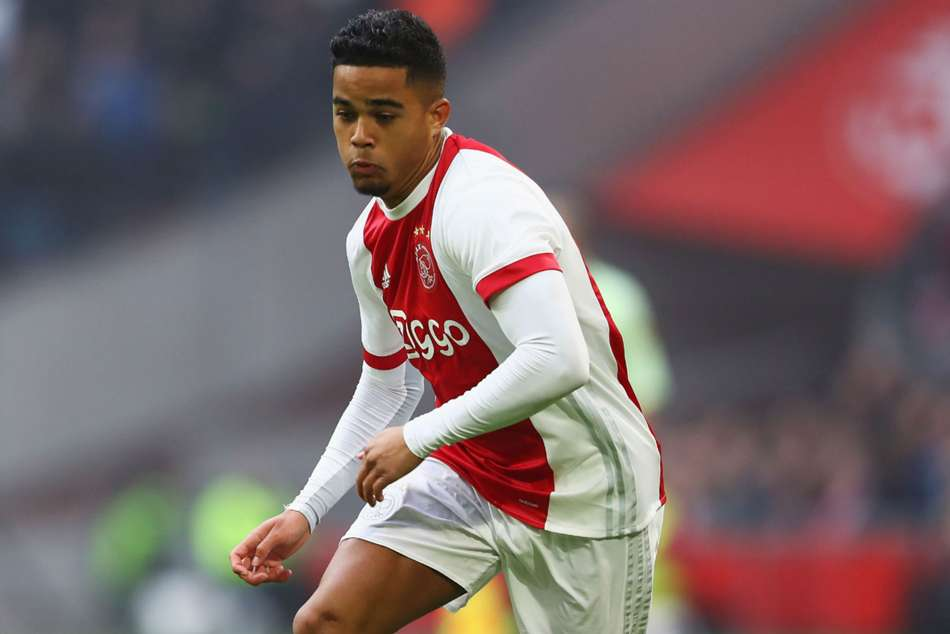 Kluivert Lands Italy Roma Transfer From Ajax