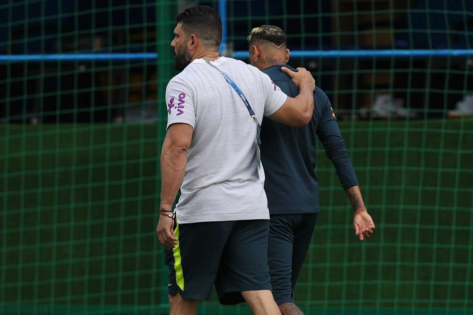 Neymar Pain Normal Coutinho Unconcerned Ankle Issue