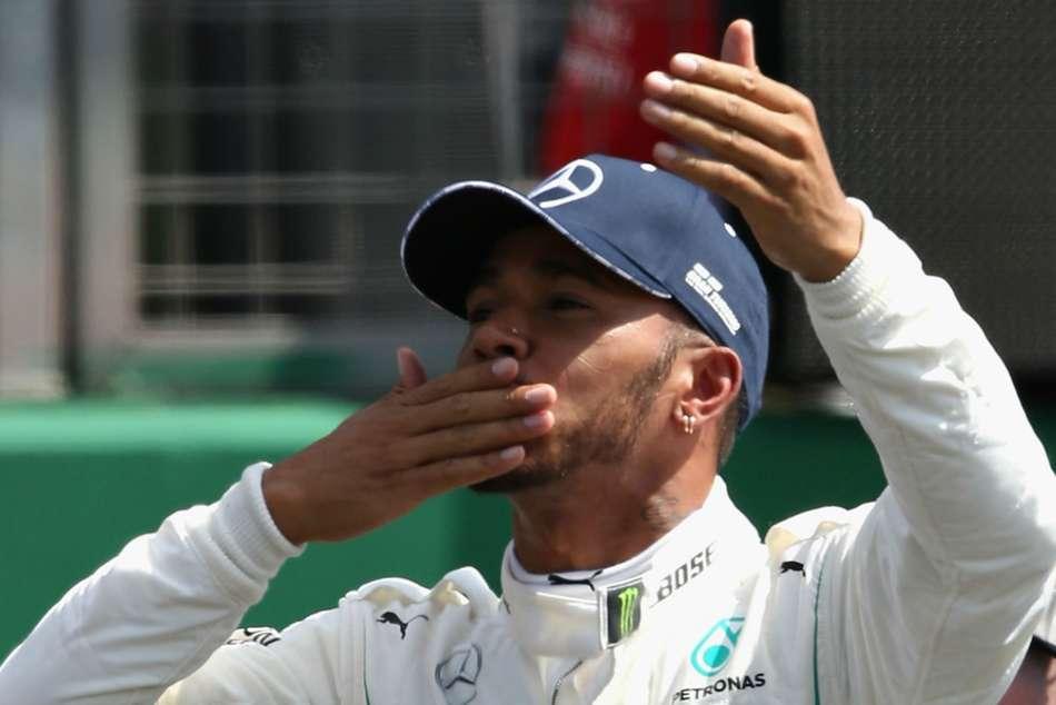 Hamilton Agrees Two Year Mercedes Extension