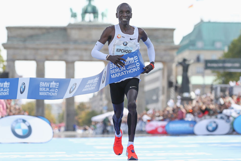 Eliud Kipchoge won the IAAF Gold Label road race in 2:01:39. Credit: IAAF