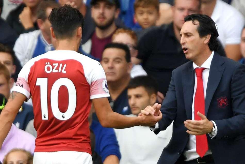 Unai Emery Mesut Ozil Relationship Arsenal Germany Premier League