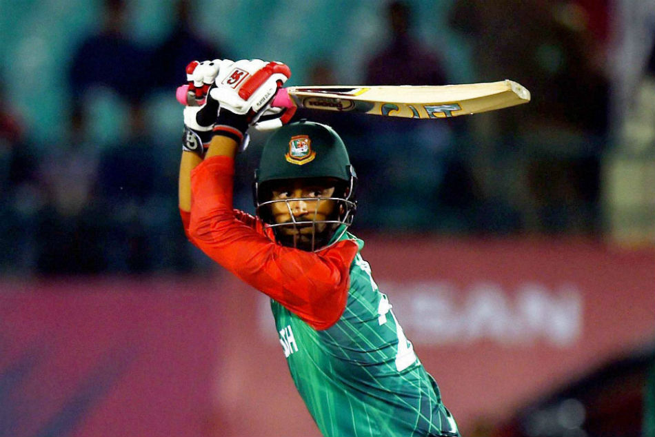 Broken Wrist Brave Heart Tamim Applauded Batting With One Hand