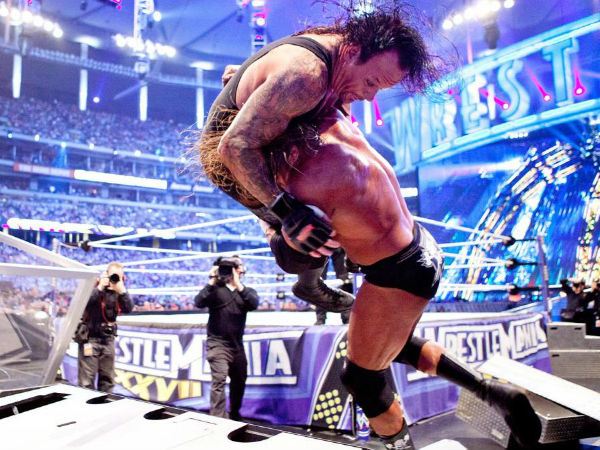 No Holds Barred Match – WrestleMania 27 on April 3, 2011