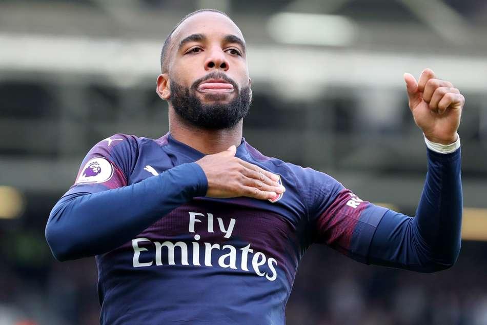 Alexandre Lacazette Unai Emery Reveals Paris Saint Germain Interest Arsenal News