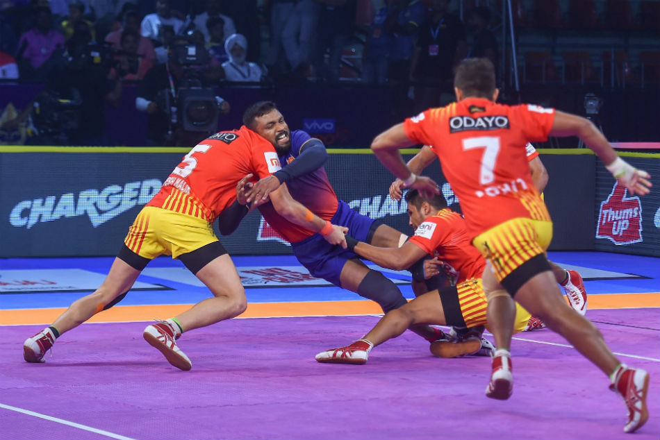 Pkl 2018 Spirited Dabang Delhi Salvage Tie Against Gujarat Fortunegiants