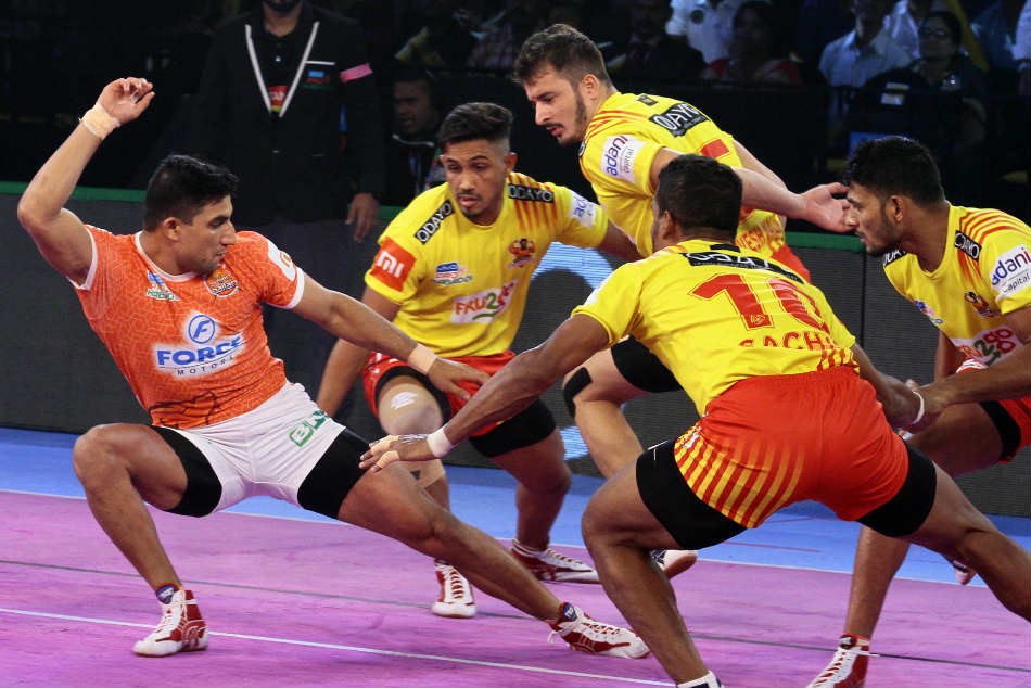 Pkl Gujarat Fortunegiants Notch Up Easy Win Over Puneri Paltan